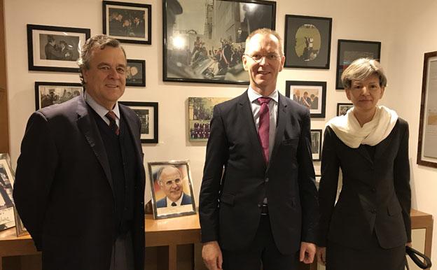 Representantes de la Fundación Konrad Adenauer visitan la sede de la Fundación Patricio Aylwin